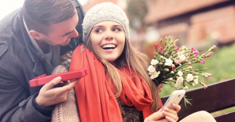 رسائل رومانسية لعيد الزواج