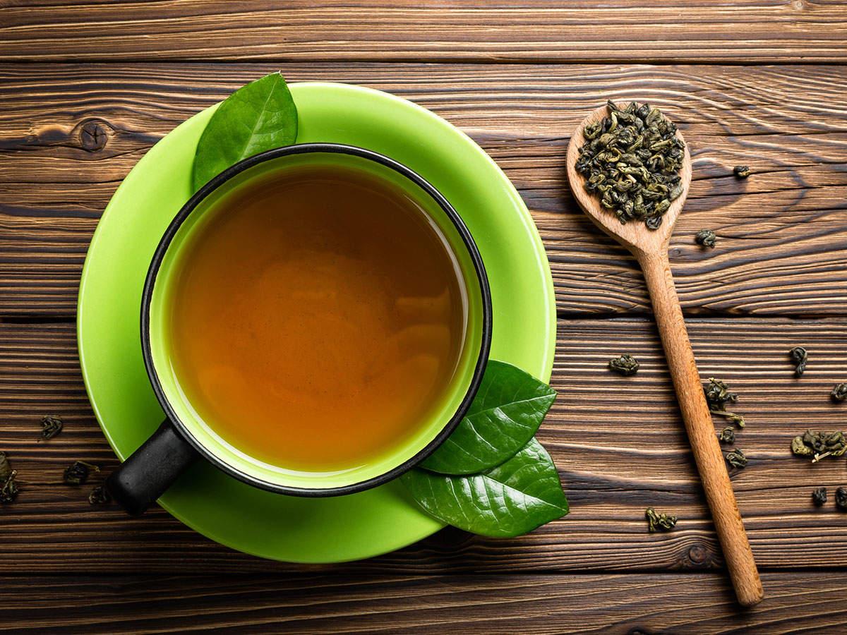 الشاي الأخضر أحد المشروبات العشبية لعلاج التوتر