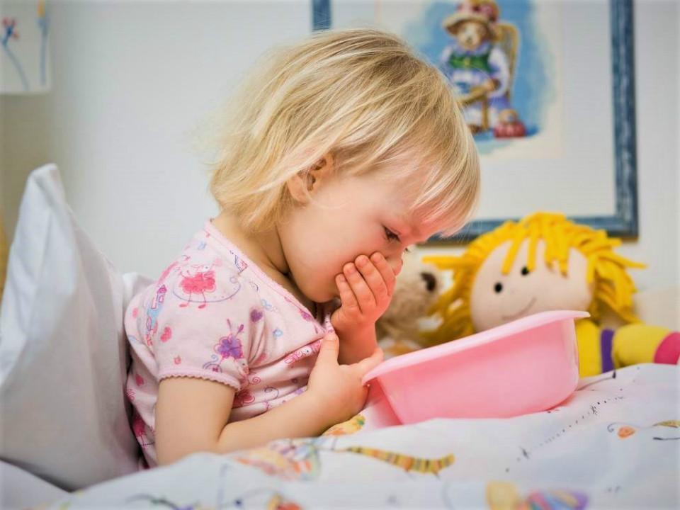 الشعور بالغثيان عند الأطفال سواء كان ذلك يصاحبه قئ أو دون ذلك