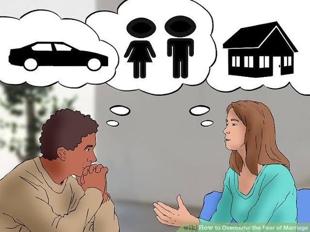 خوف الشباب من الإقبال على الزواج