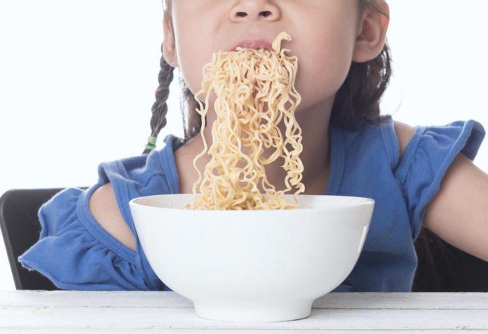 مخاطر الاندومي على الاطفال
